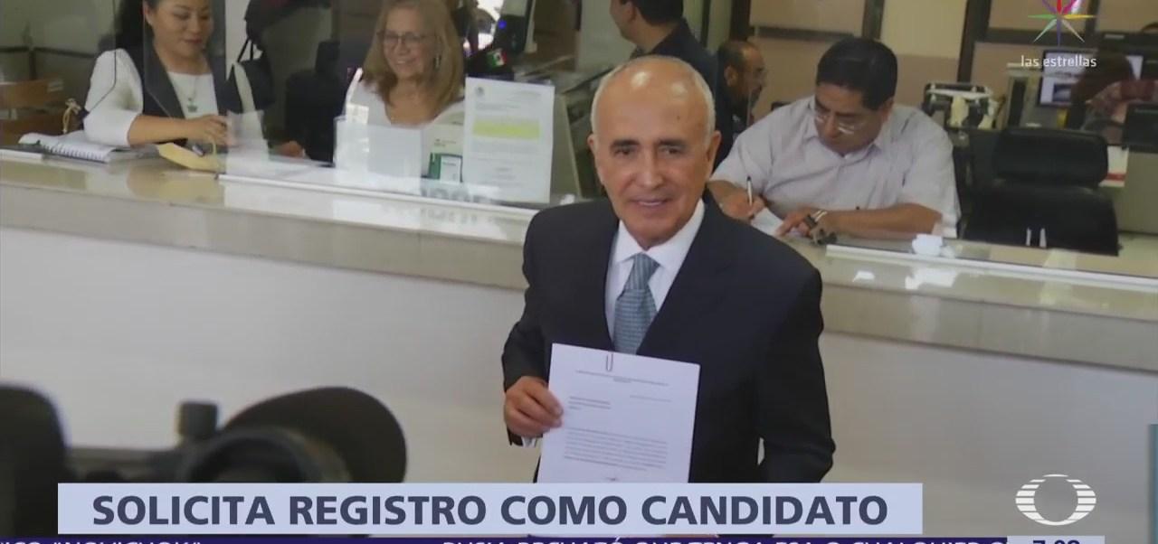 Pedro Ferriz acude al INE para solicitar registro oficial como candidato independiente