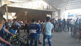 peregrinos en bicicleta se dirigen a san juan de los lagos jalisco