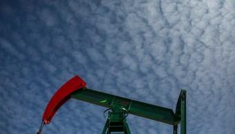 El petróleo cae por temores a política arancelaria de Estados Unidos