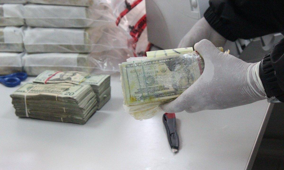 pgr asegura 1 7 mdd droga ocultos vehiculos carretera celaya queretaro