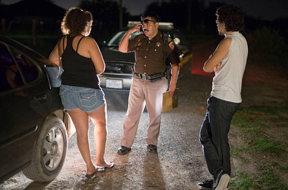 Policías de Texas podrán solicitar documentos migratorios