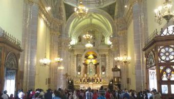 Miles de peregrinos visitan San Juan de los Lagos, Jalisco, en cuaresma