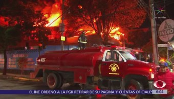Se incendia fábrica de textiles en la colonia Anáhuac, CDMX