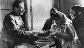 stalin-mujeres-comunismo