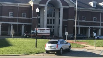 Tiroteo escuela Alabama deja estudiante muerto