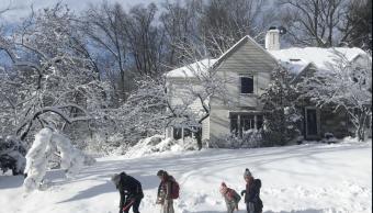 Tormenta de nieve en EU deja al menos tres muertos
