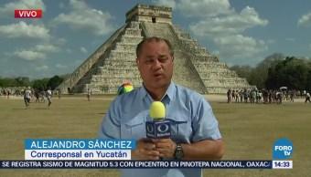 Turistas Acuden Llegada Kukulkán Chichén Itzá
