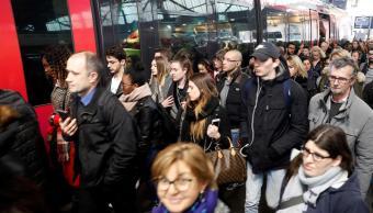Francia vive segundo día de huelga de trenes con millones de afectados