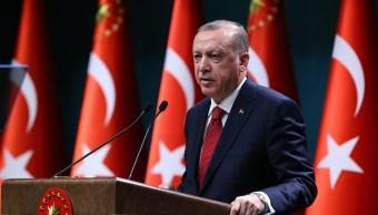Erdogan adelanta las elecciones 16 meses para eliminar incertidumbres