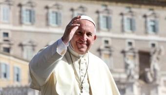 El papa Francisco aboga por la prohibición de las armas