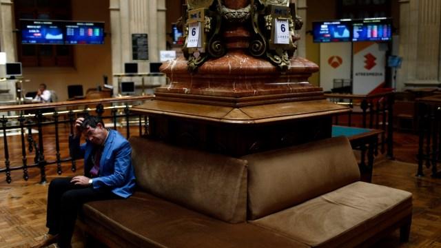 Abren casi planas Bolsas europeas luego del ataque a Siria. (AP)