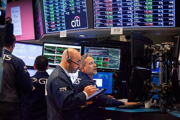 Wall Street cierra en alza reforzado por empresas tecnológicas