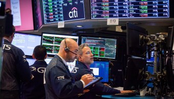 Wall Street cierra terreno mixto y Dow Jones baja