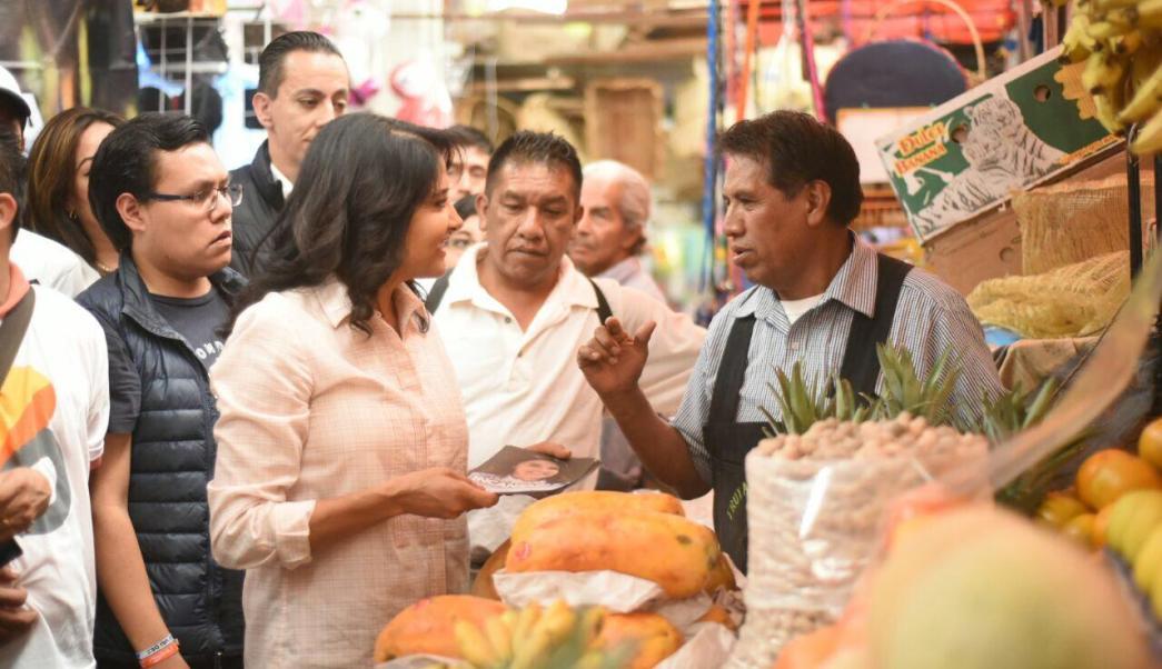 Alejandra Barrales defiende que su prioridad es servir a la gente