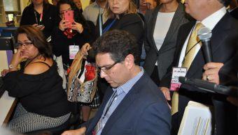 Armando Ríos Piter revisa apoyos ciudadanos en el INE
