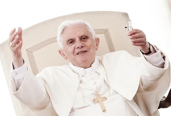 Benedicto XVI celebra 91 años en compañía de su hermano Georg