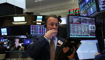 Wall Street cierra terreno mixto y Dow Jones sube