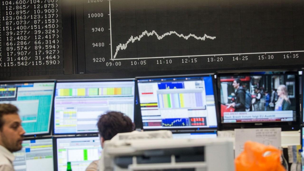 Bolsas europeas abren al alza por entusiasmo