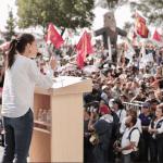 Claudia Sheinbaum se compromete a hacer labores de saneamiento en Xochimilco