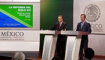 Secretario de Energía pide a candidatos presidenciales no dejarse llevar por modelos viejos