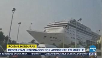 Crucero Choca Contra Muelle Isla Honduras