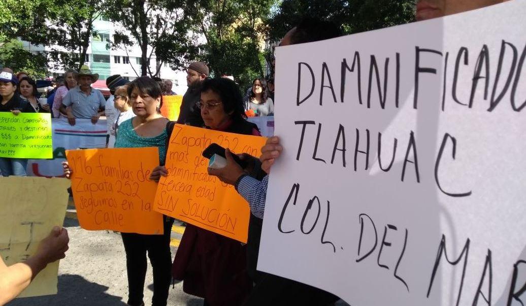 Damnificados del sismo 19S protestan en la Secretaría de Finanzas CDMX