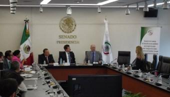 Presidente del INEE pide a senadores evaluaciones más amables para maestros