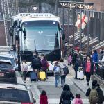 Diplomáticos estadounidenses expulsados por Rusia dejan la embajada de Moscú