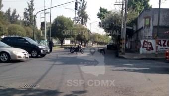 Encuentran tambos con sustancias tóxicas en avenida Tezozomoc, Azcapotzalco