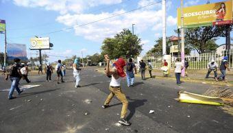 Denuncian saqueos en dos ciudades de Nicaragua en cuarto día de protestas