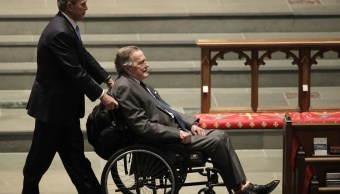 Expresidente George H W Bush es internado hospital Houston