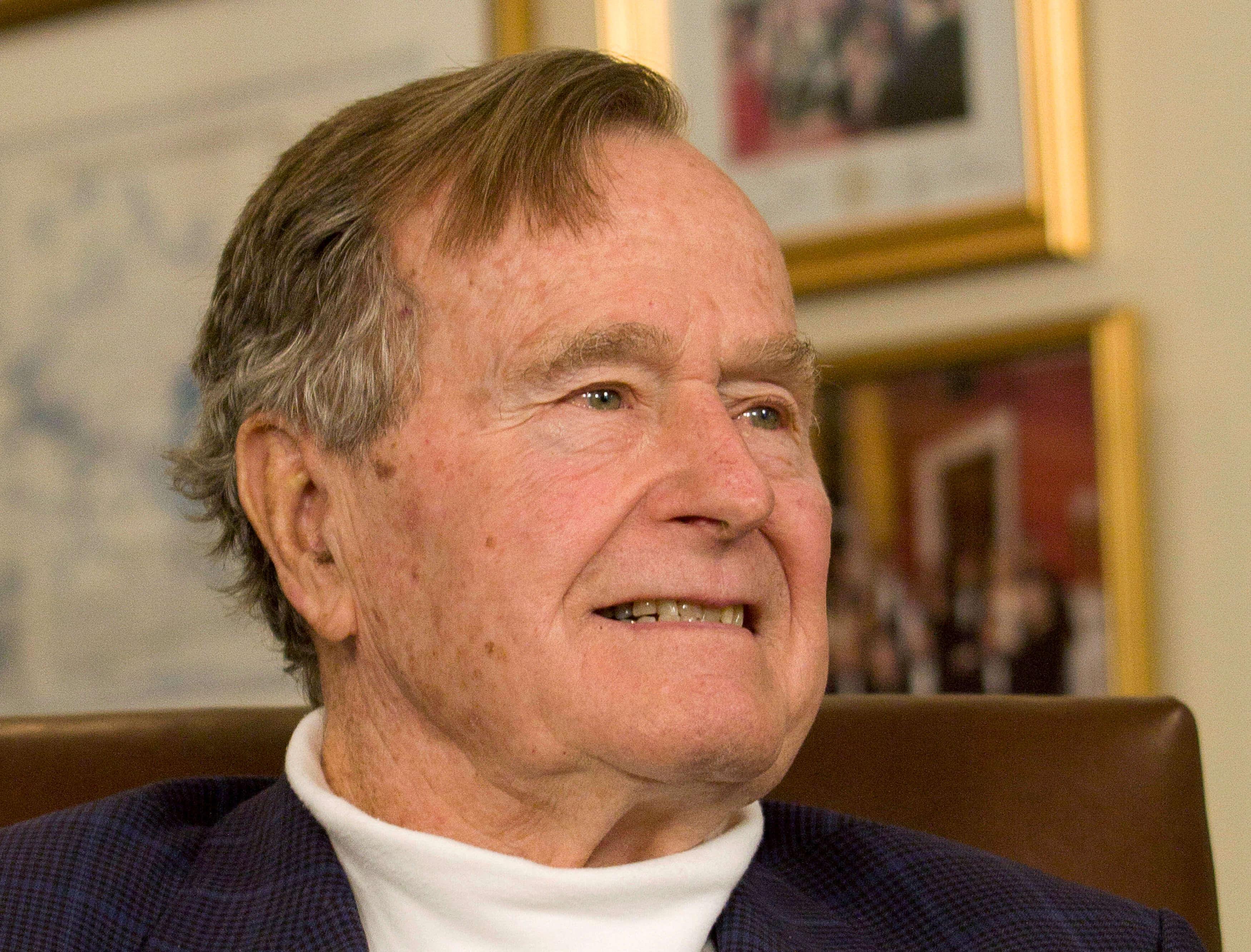 George Bush, expresidente de EE.UU es hospitalizado