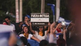 Fuera Daniel Ortega gritan masiva marcha Nicaragua