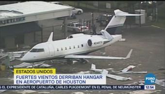 Fuertes vientos derriban hangar privado en el aeropuerto de Houston