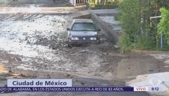Fuga de agua causa socavones en la colonia Héroes de Padierna