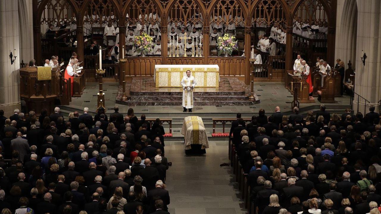 Realizan servicios funerarios de exprimera dama Barbara Bush