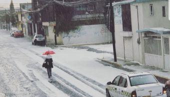 Lluvia y granizo provoca inundaciones y caos vial en Toluca
