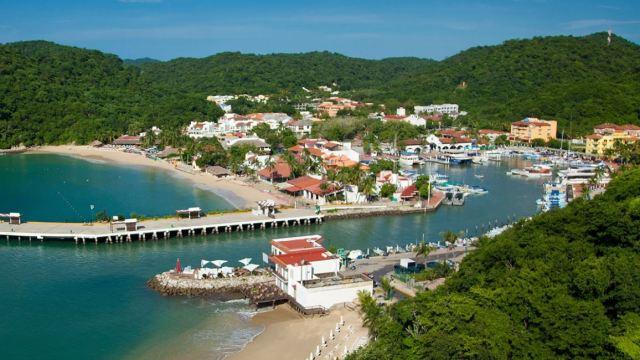 Playas de Huatulco reciben 50 mil turistas en Semana Santa