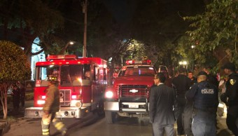 Bomberos sofocan incendio en Universidad de Londres, en la colonia Roma