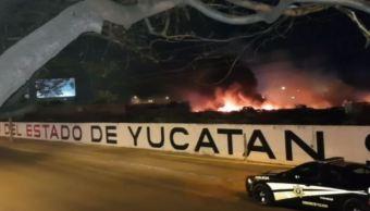Autoridades investigan causas que provocaron incendio en corralón 1 de Mérida