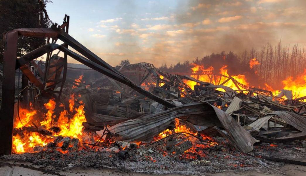 Incendio consume aserradero en Tenango, Estado de México