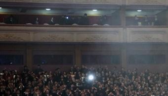 Kim Jong Un y su esposa asisten a concierto de músicos surcoreanos
