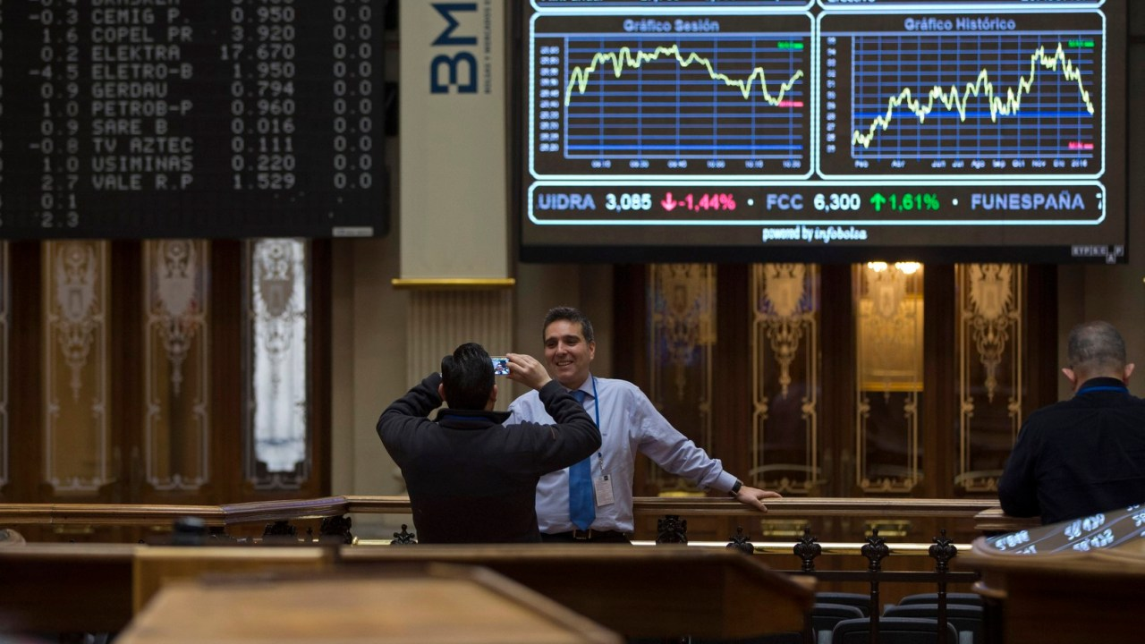 Las Bolsas europeas abren operaciones al alza