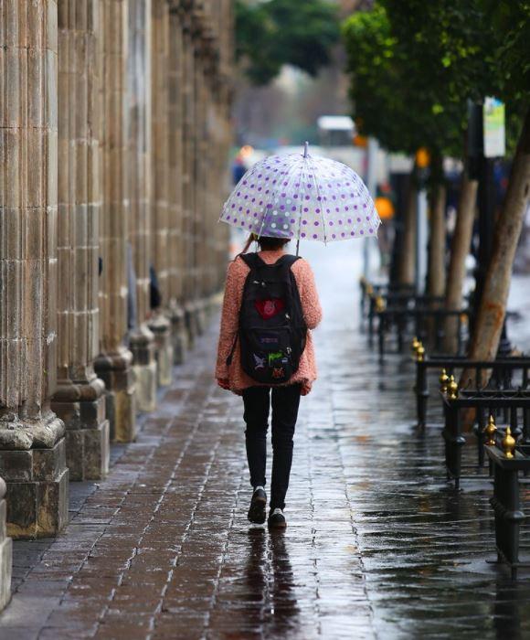 Canal de baja presión provocará tormentas en el occidente, centro y sur de México.