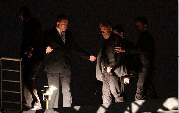 Lula ingresa en prisión en Curitiba para cumplir condena por corrupción