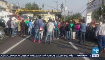 Manifestantes bloquean la carretera México-Cuernavaca