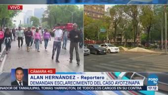 Manifestantes demandan esclarecimiento del caso Ayotzinapa