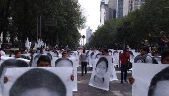 Recuerdan a cineastas de Jalisco en marcha por estudiantes de Ayotzinapa