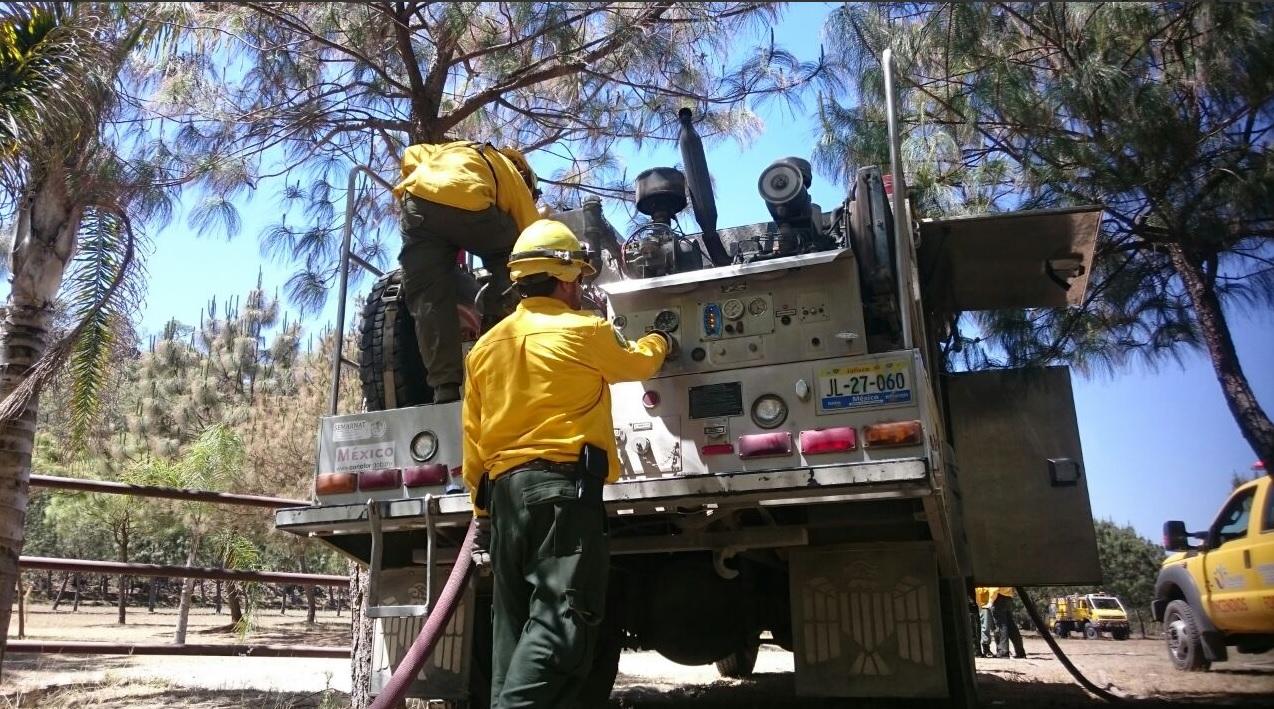 Van en aumento los incendios forestales en Colima