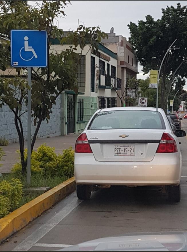 Crean grupo para cuidar espacios de discapacitados en ciudad de Oaxaca